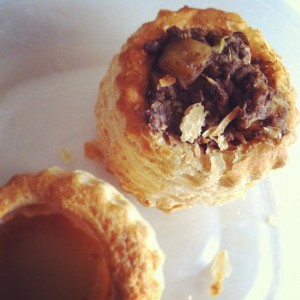 Ground meat vol au vents